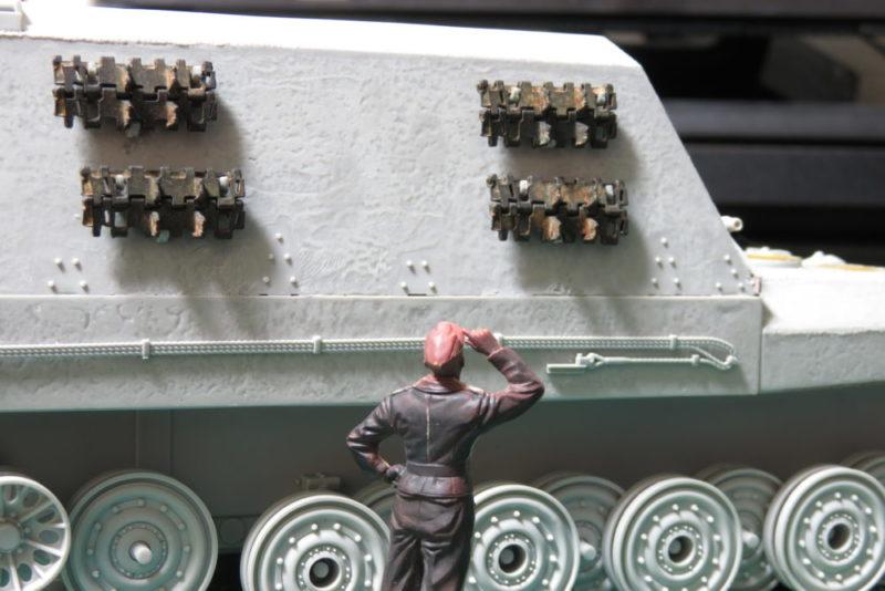 グリレ17 予備履帯ラックの取り付け5