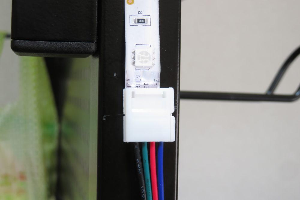 LEDテープライト ケーブルコネクタで接続3