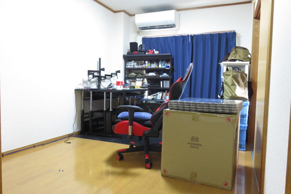 ジョイントマットを敷くために家具を移動させる2
