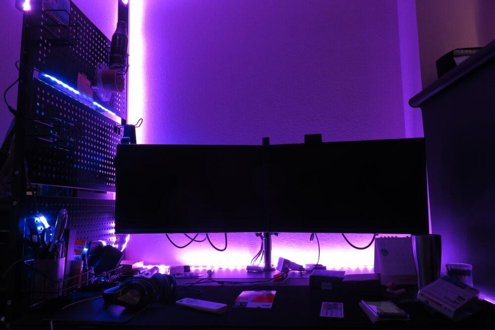 LEDテープライトで電飾した部屋