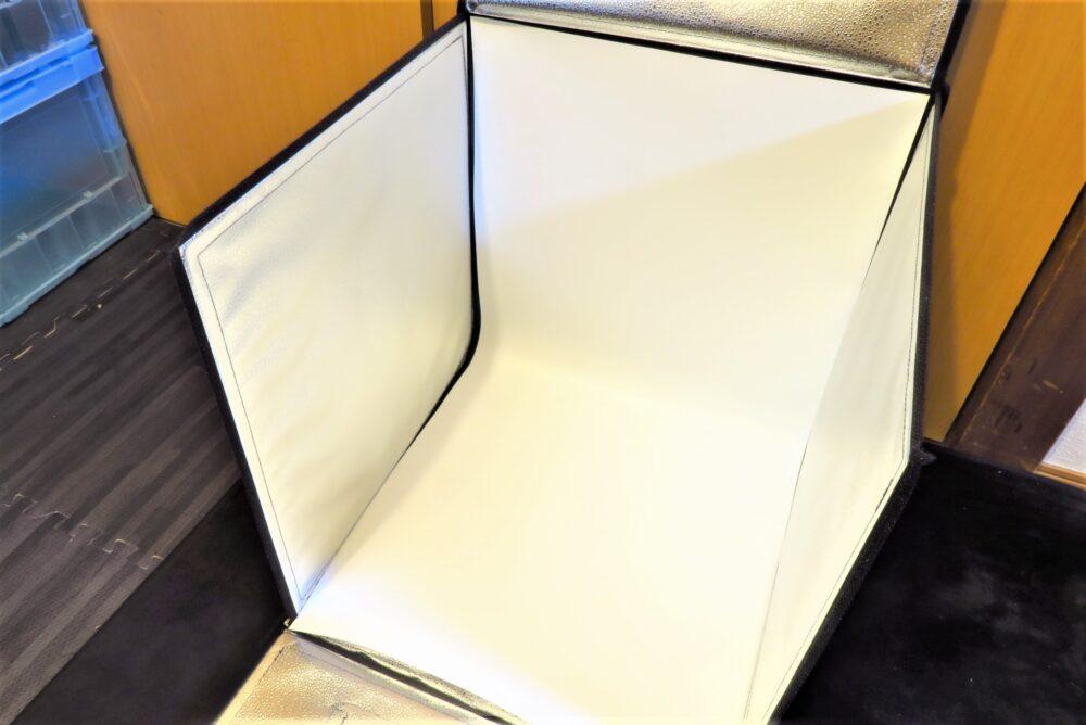 サンワサプライ 撮影ボックス バックスクリーンを取り付ける